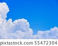 여름의 상쾌한 푸른 하늘 55472304