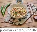 아시아 음식 야채 볶음밥  55562107