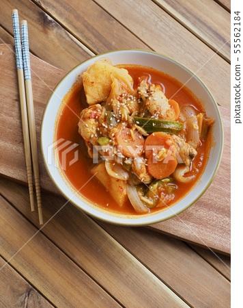한국의 전통음식 닭도리탕, 닭볶음탕 55562184