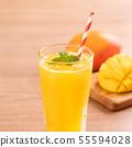 น้ำผลไม้มะม่วงฤดูร้อนเครื่องดื่มมะม่วงสดฉ่ำ ju ンゴージュースマママンンーー 55594028