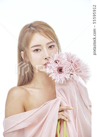 꽃,뷰티,젊은여자 55595912