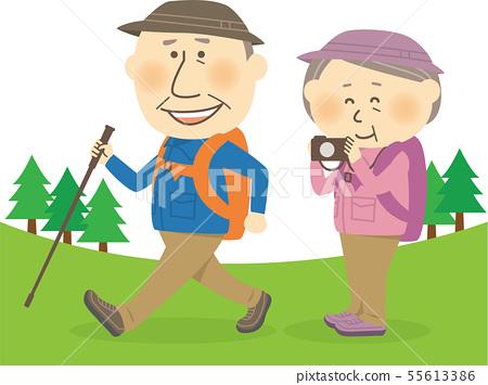 高級男性和女性登山/徒步旅行背景可用 55613386