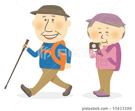 高級男人和女人爬和徒步旅行 55613389