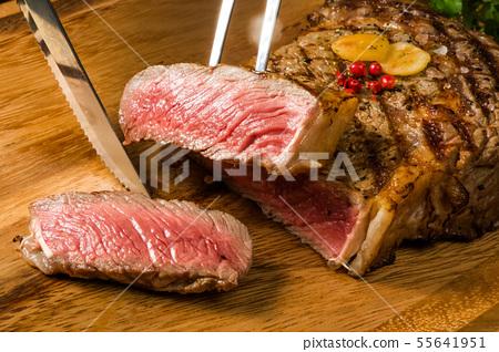 豪華烤牛排厚切豪華新鮮牛排 55641951