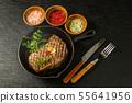 고급 그릴 스테이크 Thick cut luxury fresh beef steak 55641956