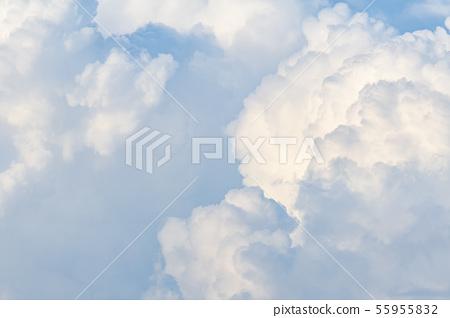 푸른 하늘과 구름 55955832