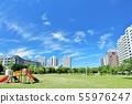 상쾌한 푸른 하늘의 아파트 상가 55976247
