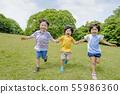 신록의 공원에서 노는 아이들 55986360