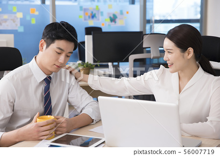 Office life concept, two asian business partners working in office 259 56007719