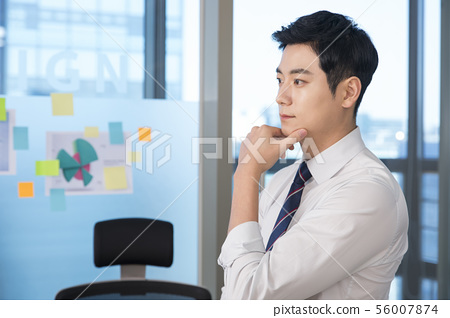 Office life concept, two asian business partners working in office 166 56007874