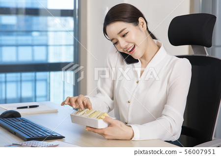 Office life concept, two asian business partners working in office 161 56007951