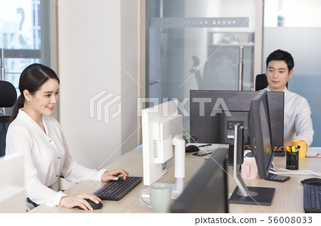 Office life concept, two asian business partners working in office 020 56008033