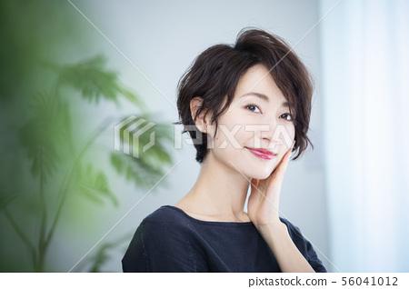 여성 미용 56041012