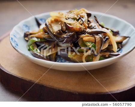 한국의 음식 가지볶음  56057790