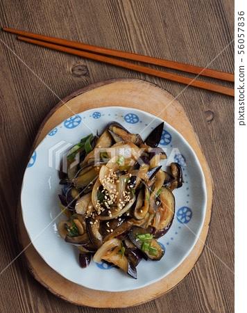 한국의 음식 가지볶음  56057836