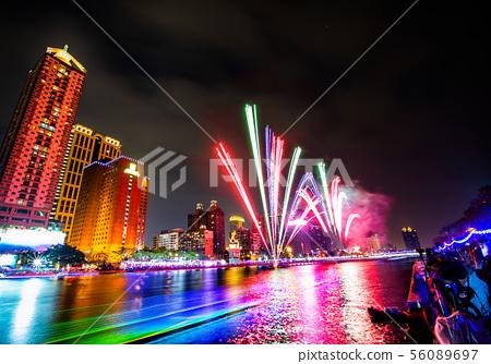 臺灣高雄愛河燈會煙火Taiwan, Kaohsiung Love River Firew 56089697
