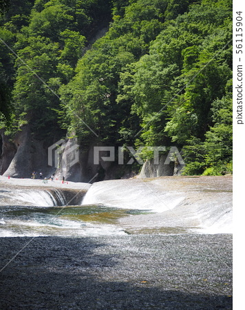 Fubuzi waterfall 56115904