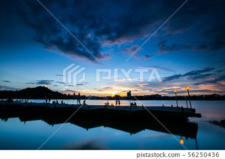 臺灣高雄左營蓮池潭 Asia Taiwan Kaohsiung Lake 56250436