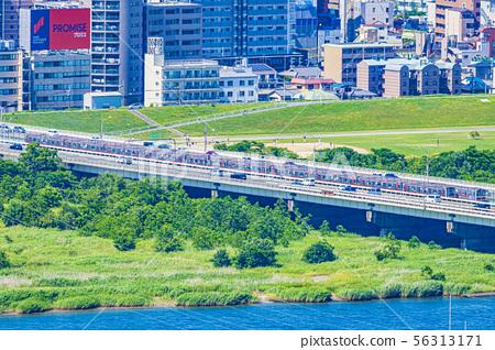 Nishinakajima South附近的大阪地鐵禦堂筋線 56313171