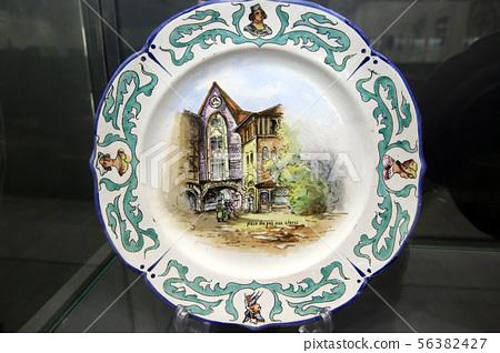 1900년 아름다운 시절 가장 아름다운 식당 '푸른 집'아르누보 리모즈 접시 56382427