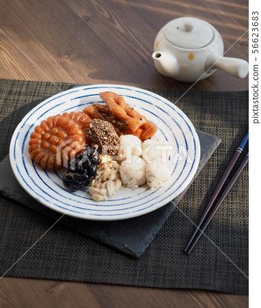 한국의 전통음식 한과, 모듬한과, 깨강정, 약과, 찰떡 56623683