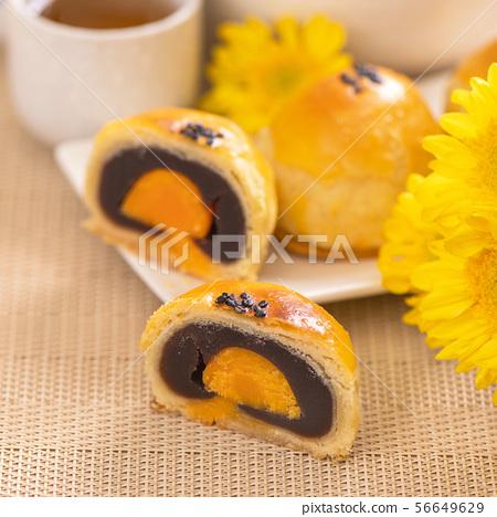 中秋節 蛋黃酥 月餅 特寫 Moon Festival yolk pastry cake げっぺい 56649629