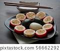 한국의 전통음식 송편과 사탕 56662292