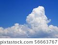 여름 하늘 거대한 뭉게 구름 56663767