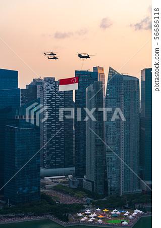 新加坡風景和新加坡旗子禮儀飛行 56686118