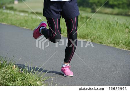 Running runner woman 56686948