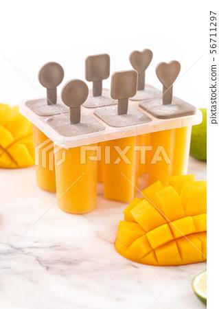新鮮芒果冰棒芒果棒冰淇淋 56711297