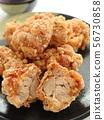 생강 간장으로 밑간을 한 맛있는 닭 튀김 56730858