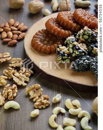 한국의 전통음식 한과, 모듬한과, 대추, 깨강정, 약과 56754338