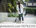 女士清潔花園清潔入口清潔城鎮 56762203