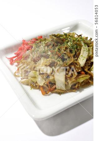 Hot fried noodles 56814053