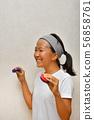 使用響板的女孩 56858761