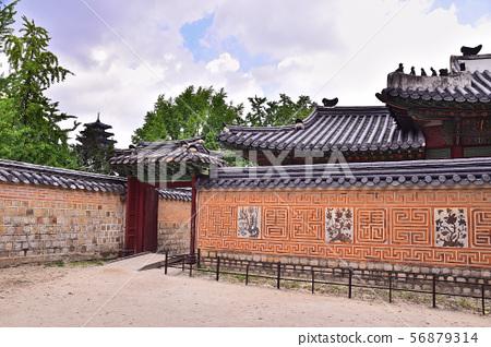 서울 경복궁의 전통패턴의 아름다움 56879314