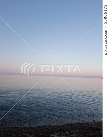 노을지는 바닷가 56906175
