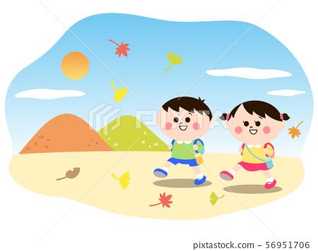 秋季遊覽兒童 56951706