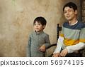 男孩和父親 56974195