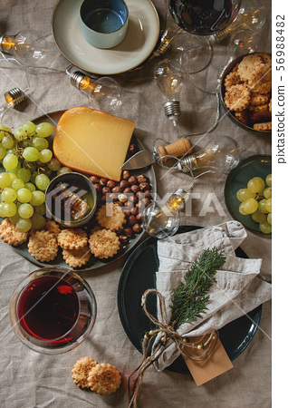 Christmas dinner set table 56988482