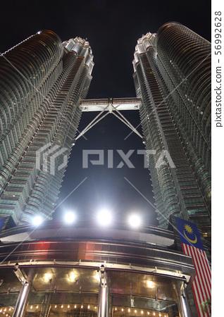 쿠알라 룸푸르 페트로나스 트윈 타워 밤 56992628