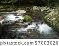 A mountain stream in the Okuju Valley that flows through stone steps 57003020