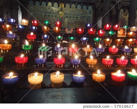 教堂 點蠟燭 祈福 57018627