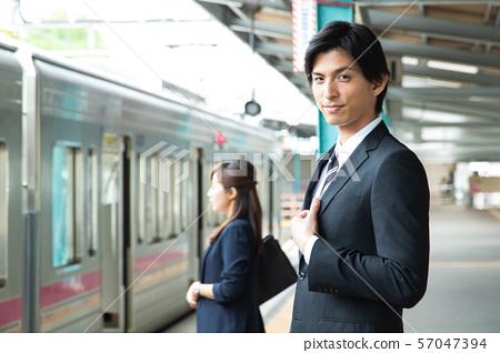 通勤男火車站商人拍攝合作:京王電鐵有限公司 57047394