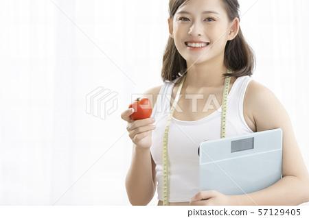 女人的美容饮食 57129405