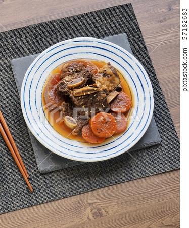 한국의 음식 소고기 갈비찜 57182683