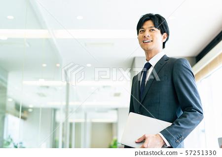 商人肖像 57251330