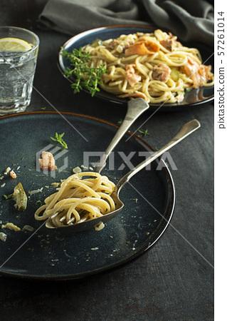 Pasta salmon sauce 57261014