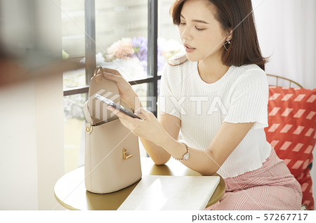 女性生活方式 57267717